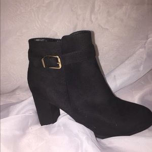 NWOT Forever 21 booties